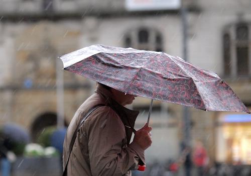 Regen und Wind, über dts Nachrichtenagentur