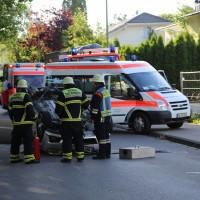 01-07-2016_Memmingen_Eduard-Flach-Strasse_Pkw-Ueberschlag_Feuerwehr_Poeppel_0001