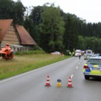 02-07-2016_B465_Bad-Wurzach_Unfall_schwer_Feuerwehr_Christoph17_Polizei_Poeppel_0001