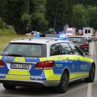 02-07-2016_B465_Bad-Wurzach_Unfall_schwer_Feuerwehr_Christoph17_Polizei_Poeppel_0003