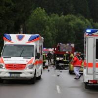 02-07-2016_B465_Bad-Wurzach_Unfall_schwer_Feuerwehr_Christoph17_Polizei_Poeppel_0005