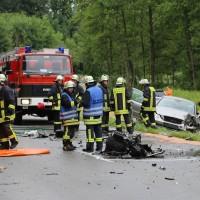 02-07-2016_B465_Bad-Wurzach_Unfall_schwer_Feuerwehr_Christoph17_Polizei_Poeppel_0006