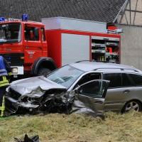 02-07-2016_B465_Bad-Wurzach_Unfall_schwer_Feuerwehr_Christoph17_Polizei_Poeppel_0013