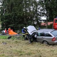 02-07-2016_B465_Bad-Wurzach_Unfall_schwer_Feuerwehr_Christoph17_Polizei_Poeppel_0015