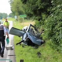 02-07-2016_B465_Bad-Wurzach_Unfall_schwer_Feuerwehr_Christoph17_Polizei_Poeppel_0021