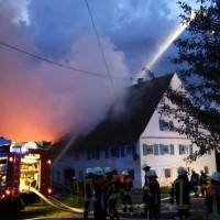 05-07-2016_Unterallgaeu_Ottobeuren_Buehl_Brand_Bauernhof_Feuerwehr_Poeppel_0029