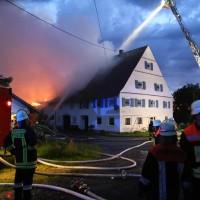 05-07-2016_Unterallgaeu_Ottobeuren_Buehl_Brand_Bauernhof_Feuerwehr_Poeppel_0030