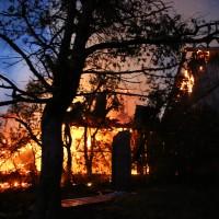 05-07-2016_Unterallgaeu_Ottobeuren_Buehl_Brand_Bauernhof_Feuerwehr_Poeppel_0043