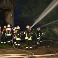 05-07-2016_Unterallgaeu_Ottobeuren_Buehl_Brand_Bauernhof_Feuerwehr_Poeppel_0061