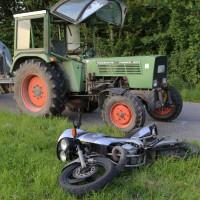 06-05-2016_Unterallgaeu_Dirlewang_Krad_Traktor_Notarzt_Poeppel_0007