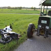 06-05-2016_Unterallgaeu_Dirlewang_Krad_Traktor_Notarzt_Poeppel_0010