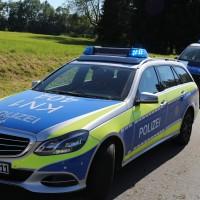 10-07-2016_B12_Isny_Großholzleute_Unfall_Pkw_Schwerverletzte_Rettungsdienst_Polizei_Poeppel_0014