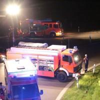 21-07-2016_A7_Memmingen-Sued_Unfall_Pkw_Anhaenger_Lkw_Feuerwehr_Poeppel_0028