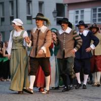 25-07-2016_Wallenstein-Sommer-2016_Tanz-auf-dem-Kopfsteinpflaster_Fackelzug_Poeppel20160725_0051