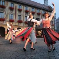 25-07-2016_Wallenstein-Sommer-2016_Tanz-auf-dem-Kopfsteinpflaster_Fackelzug_Poeppel20160725_0847