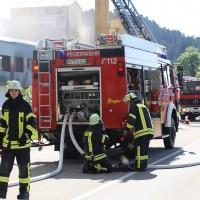 08-08-2016_Ravensburg_Aichstetten_Brand_Buero-Lager_Feuerwehr Poeppel_0015