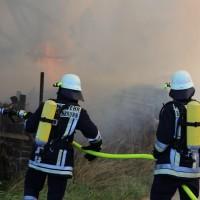 13-08-2016_Unterallgaeu_Breitenbrunn_Brand_Halle_Feuerwehr_Poeppel_0001