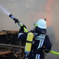 13-08-2016_Unterallgaeu_Breitenbrunn_Brand_Halle_Feuerwehr_Poeppel_0002