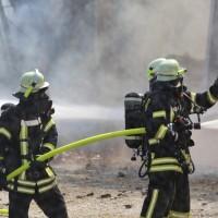 13-08-2016_Unterallgaeu_Breitenbrunn_Brand_Halle_Feuerwehr_Poeppel_0003