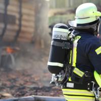 13-08-2016_Unterallgaeu_Breitenbrunn_Brand_Halle_Feuerwehr_Poeppel_0013