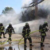13-08-2016_Unterallgaeu_Breitenbrunn_Brand_Halle_Feuerwehr_Poeppel_0032