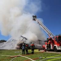 13-08-2016_Unterallgaeu_Breitenbrunn_Brand_Halle_Feuerwehr_Poeppel_0051
