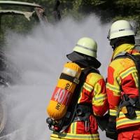 13-08-2016_Untrallgaeu_B18_Kirchdorf_Mindelheim_Brand_Traktor_Feuerwehr_Poeppel_0017