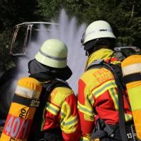 13-08-2016_Untrallgaeu_B18_Kirchdorf_Mindelheim_Brand_Traktor_Feuerwehr_Poeppel_0019
