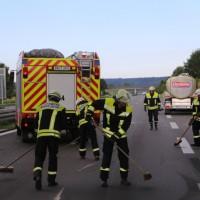 28-08-2016_A96_Mindelheim_Unfall_Lkw_2-Pkw_Feuerwehr_Verletzte_Poeppel_0002
