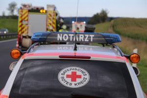 28-08-2016_A96_Mindelheim_Unfall_Lkw_2-Pkw_Feuerwehr_Verletzte_Poeppel_0014