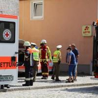 30-08-3016_BY_Unterallgaeu_Heimertingen_B300_MHD_Unfall_ELRD_Hausmauer_Feuerwenr_Poeppel_0005