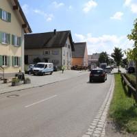 30-08-3016_BY_Unterallgaeu_Heimertingen_B300_MHD_Unfall_ELRD_Hausmauer_Feuerwenr_Poeppel_0017