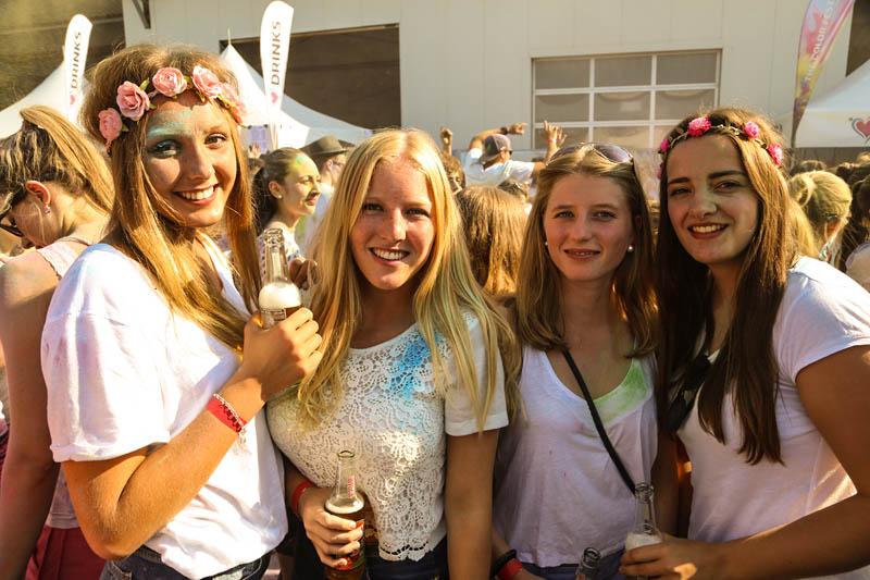 10-09-2016_Farbgefuehle_Memmingen_Memmingerberg_Terminal23_Holi_FarbenPoeppel_0594