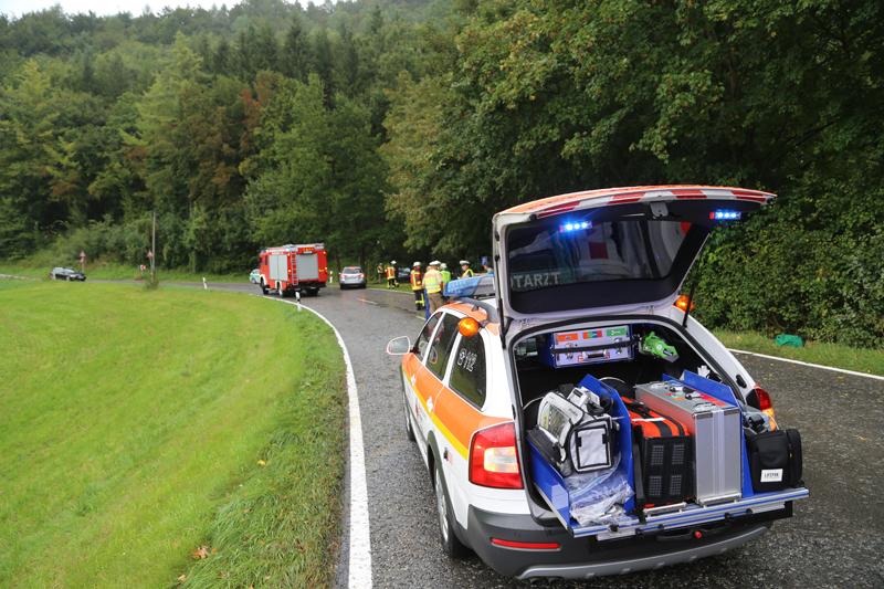 16-09-2016_Unterallgaeu_Legau_Unterau_Motorrad-Unfall_Feuerwehr_Poeppel_0015