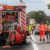 17-09-2016_BY_A7_Illertissen_Altenstadt_Unfall_Aqauplaning_Feuerwehr_Poeppel_0026