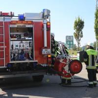 25-09-2016_A96_Burgacker_Pkw-kracht-Parkplatz_Feuerwehr_Poeppel_0015