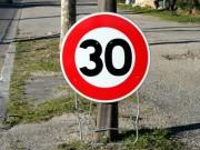 Panneau mobile de vitesse limite  30 km/h