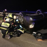 08-10-2016_A96_Memmingen_Aitrach_Unfall_Feuerwehr_Poeppel_0008