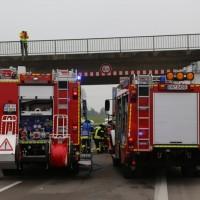 20161114_A7_Dietmannsried_Leubas_Kleinlaster_Sattelzug_Unfall_Feuerwehr_Poeppel_new-facts-eu_001