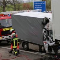 20161114_A7_Dietmannsried_Leubas_Kleinlaster_Sattelzug_Unfall_Feuerwehr_Poeppel_new-facts-eu_002