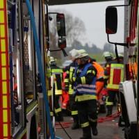 20161114_A7_Dietmannsried_Leubas_Kleinlaster_Sattelzug_Unfall_Feuerwehr_Poeppel_new-facts-eu_043