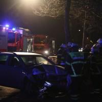 20161122_Memmingen_Unfall_Dr-Karl-Lenz-Strasse_Pkw_Feuerwehr_Polizei_Poeppel_new-facts-eu_002