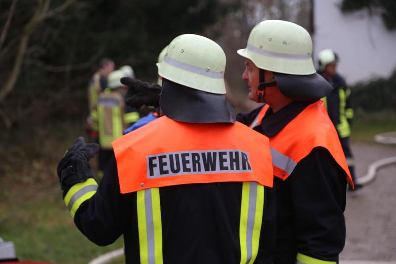 20161123_20161123_Unterallgaeu_Legau_Engelharz_Brand_Bauernhof_Feuerwehr_Poeppel_new-facts-eu_002