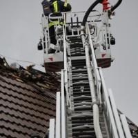 20161127_Biberach_Mittelbiberach_Reute_Brand_Dachstuhl_Feuerwehr_Poeppel_new-facts-eu_081