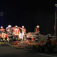 20161130_A7_Woringen_Unfall_Feuerwehr_Polizei_Poeppel_new-facts-eu_010