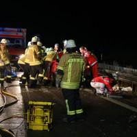 20161208_A96_Leutkirch_Altmannskofen_Geisterfahrer_Unfall_Feuerwehr_Poeppel_new-facts-eu_005