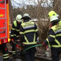 20161211_Unterallgaeu_Buxheim_Unfall_Pkw_Baum_Feuerwehr_Poeppel_0011