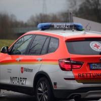 20161211_Unterallgaeu_Buxheim_Unfall_Pkw_Baum_Feuerwehr_Poeppel_0020