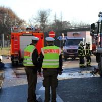 20161214_Memmingen_Unfall_Pkw_Lkw_Feuerwehr_Poeppel_0013