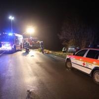20161216_B16-Mindelheim_Unfall_Feuerwehr_Poeppel_0007